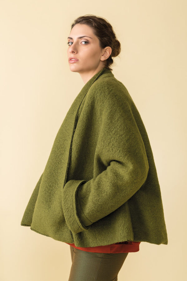cappa in lanacotta con collo avvolgente