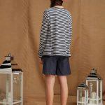 maglia a righe realizzata in jersey di cotone con linea svasata