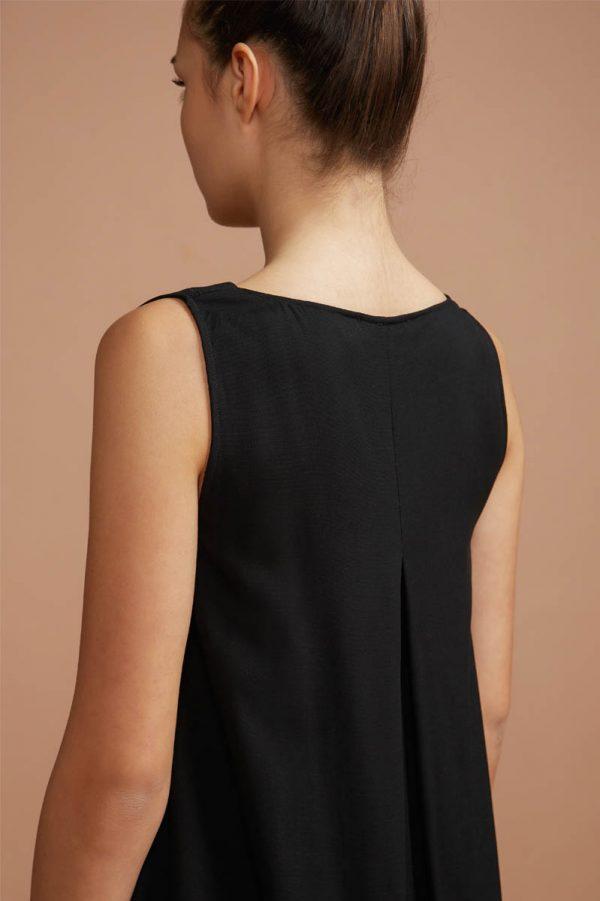 abito nero da sera con scollo a V